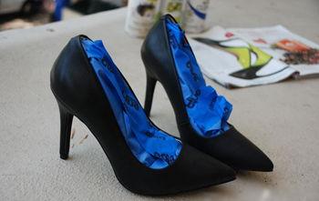 Bảo quản vệ sinh giày cao gót sau khi đi mưa