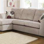 Hướng dẫn cách vệ sinh và bảo quản ghế sofa vải đơn giản và hiệu quả