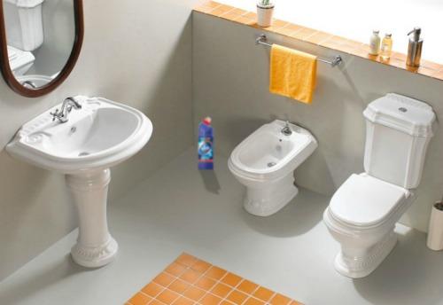 Làm sạch nhà vệ sinh thường xuyên