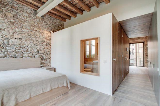 Phòng ngủ by Lara Pujol   Interiorismo & Proyectos de diseño