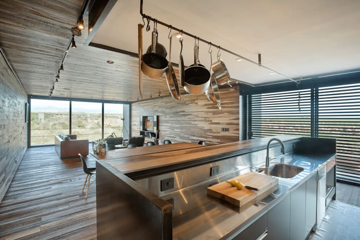 Nhà bếp by A4estudio