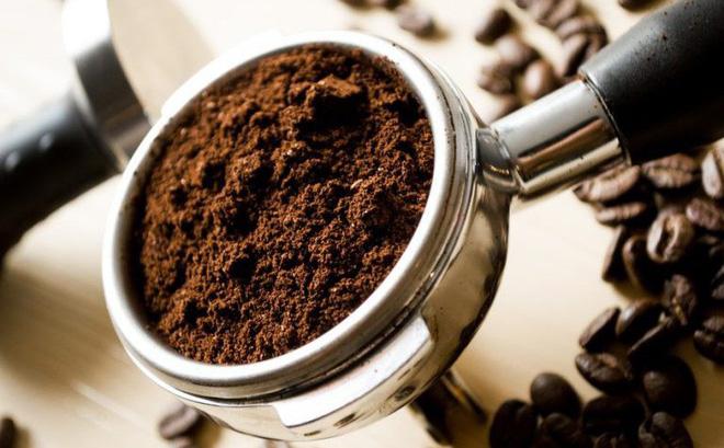 Cà phê giúp lau đồ gỗ trong nhà