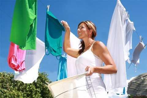 Kết quả hình ảnh cho cách dùng nước xả vải giặt tay