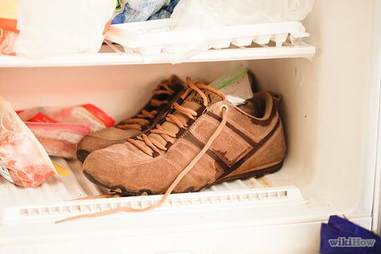 Để giày vào tủ lạnh nếu bị dính bã cao su