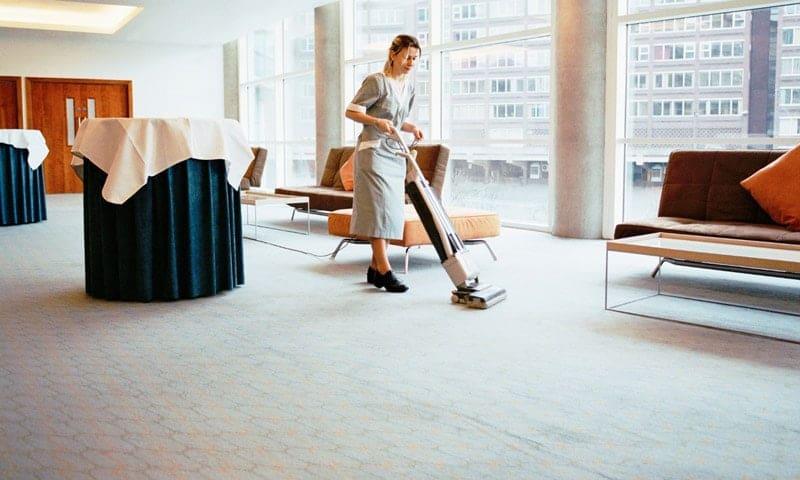 Thảm làm bằng sợi thực vật có thể làm sạch bằng cách hút khô