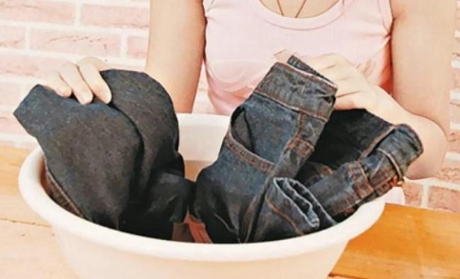 Đồ jean thì tốt nhất là nên giặt bằng tay