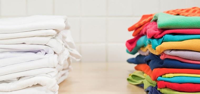 Phân loại quần áo theo màu sắc