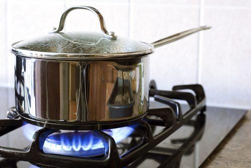 Điều chỉnh ngọn lửa cũng là một cách tiết kiệm gas sáng suốt
