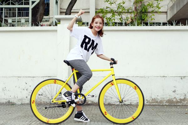 Chạy xe đạp giúp đôi chân săn chắc