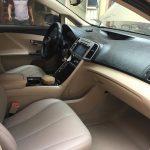 Hướng dẫn cách vệ sinh nội thất xe ô tô sạch bóng từ A-Z