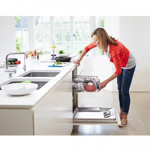 Chiếc máy rửa bát đã được công nghiệp hóa trở thành những sản phẩm phổ thông hơn