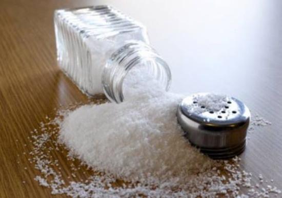 Lợi ích khi dùng muối iốt đúng cách trong nấu nướng món ăn - Ảnh 2