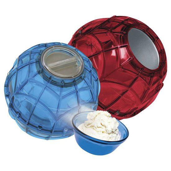 Máy làm kem quả cầu là loại máy được các bạn trẻ rất yêu thích