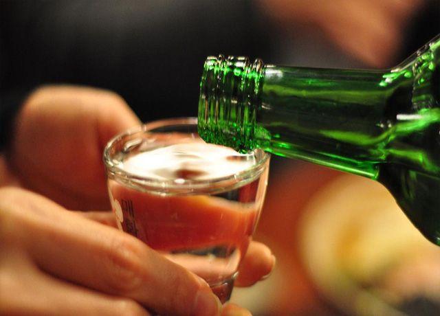 Khi sử dụng rượu, có những thực phẩm cần tránh để không gây nguy hiểm đến sức khỏe