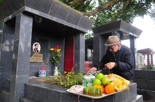 Tạ mộ, lễ chạp cần có bài văn khấn để mời tổ tiên về ăn Tết
