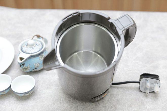 Bộ phận mà tiếp xúc trực tiếp với nước thường sử dụng chất liệu thép không gỉ mạ crom hoặc inox