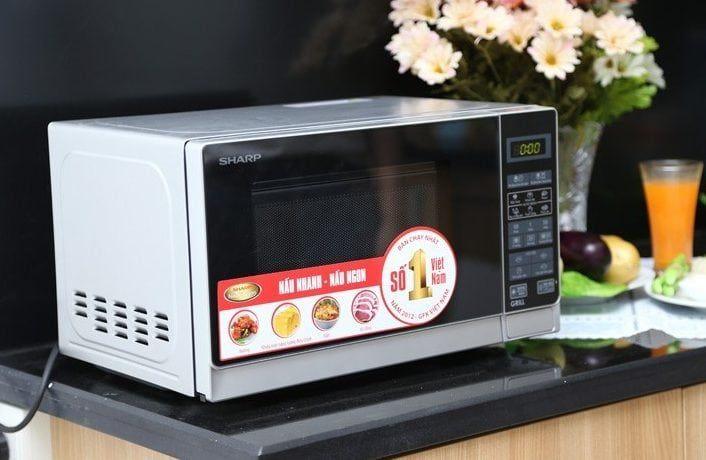 Lò vi sóng là thiết bị gia dụng rất được ưa chuộng hiện nay do nó có nhiều tính năng, rất tiện lợi trong việc nấu nướng.