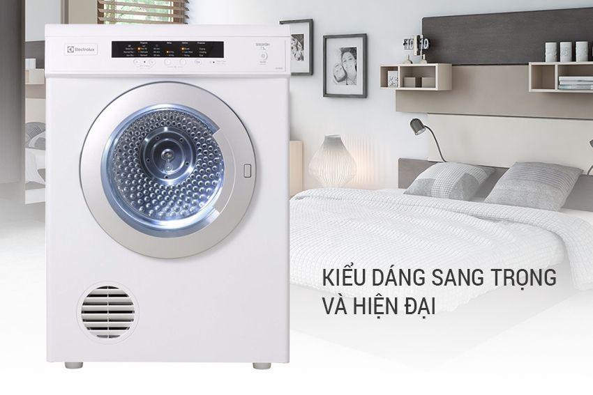 Máy Sấy Cửa Trước Electrolux EDV7552 có thiết kế sang trọng và hiện đại, làm tăng thêm sự sang trọng cho không gian nội thất của gia đình bạn.