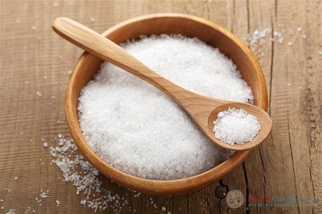 Muối không nên dùng cho trẻ dưới 9 tháng tuổi