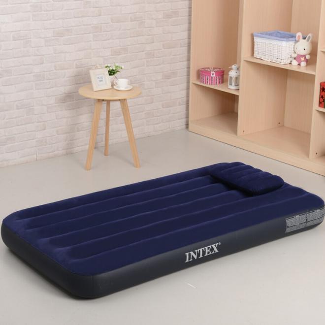 Nệm hơi cao cấp sang chảnh là đồ dùng được sử dụng nhiều ở phòng khách thay vì phòng ngủ.
