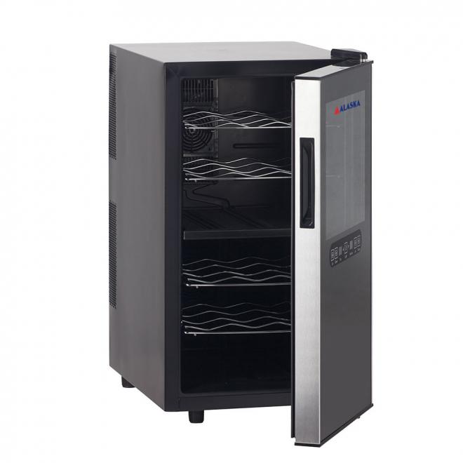 Với thiết kế tay cầm lõm giúp việc đóng mở tủ được nhẹ nhàng, thuận tiện.Cửa trước dày dặn có mặt giúp cách nhiệt tốt, Tủ Ướp Rượu Vang Alaska JC-18TB đang được nhiều gia đình ưa chuộng.