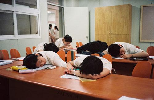 Buồn ngủ trong giờ học