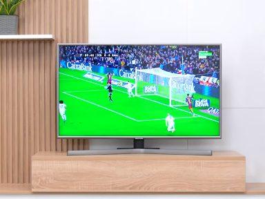 Xem tivi cực nét với Smart Tivi Samsung 4K 43 inch UA43NU7400