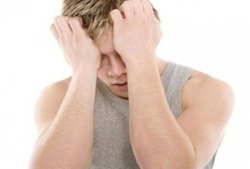 Bao quy đầu sưng đỏ và luôn cảm thấy khó chịu là dấu hiệu rõ ràng của bệnh