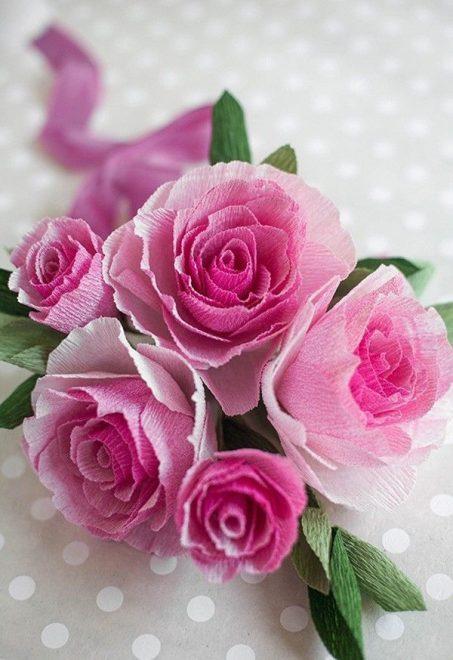 Hoa hồng được làm từ giấy nhún