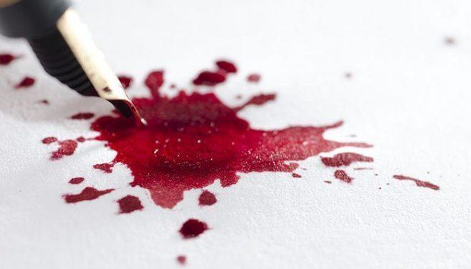 Tẩy vết thuốc đỏ trên quần áo