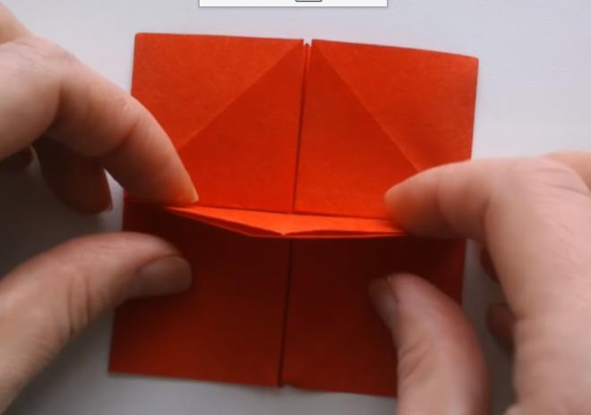 Dựng phần tam giác chính giữa lên