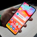 Review Samsung Galaxy A70 – Smartphone tầm trung đáng mua nhất của Samsung trong năm 2019