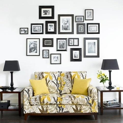 Biết cách sắp xếp ảnh gia đình sẽ tạo nên bức tranh lớn trong phòng khách ấn tượng