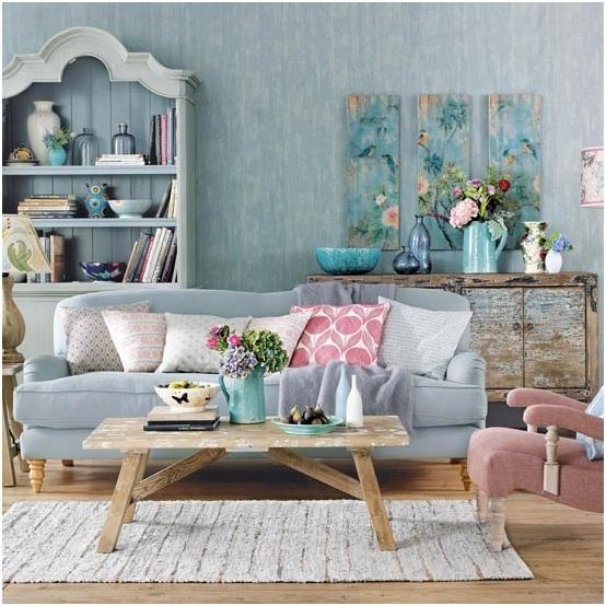 Bạn nghĩ quá nhiều gối bông trên sofa là thừa thãi và chật chội? Hãy chiêm ngưỡng nhiều cách sắp xếp khác nhau của việc trang trí không gian bằng gối bông trên sofa nhé.