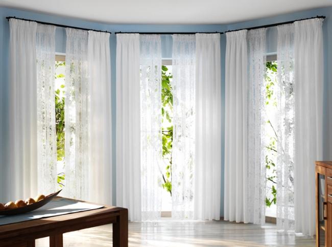 Rèm cửa vừa tạo nên không gian riêng tư vừa mang đến sự sang trọng và lãng mạn nếu bạn biết cách lựa chọn