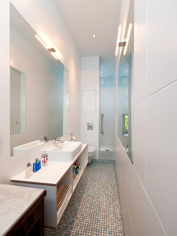 Cho dù phòng tắm có nhỏ hẹp đến đâu nhưng biết cách kết hợp gương, sơn tường và các vật dụng khác, bạn đã khoác áo mới lên phòng tắm cũ kỹ và tẻ nhạt