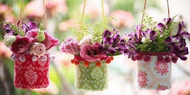Lọ hoa mang phong cách Decoupage