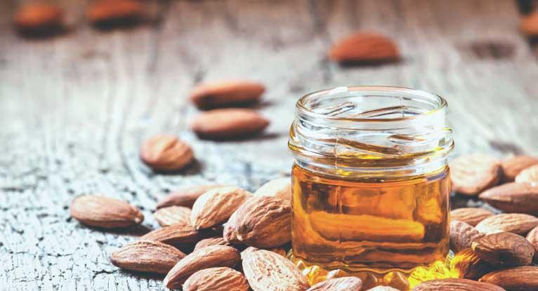 5 tác dụng thần kì của dầu hạnh nhân đối với làn da của bạn1 1