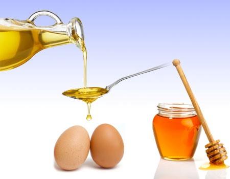 Ủ tóc bằng trứng gà + mật ong + dầu ô liu giúp hạn chế tóc chẻ ngọn