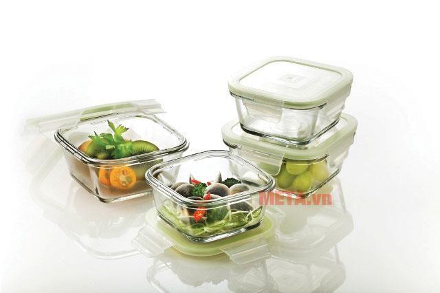 Sử dụng hộp đựng thức ăn làm bằng thủy tinh