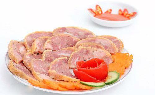 Bữa trưa giăm bông, phomat thái lát ăn cùng các loại hạt bạn yêu thích