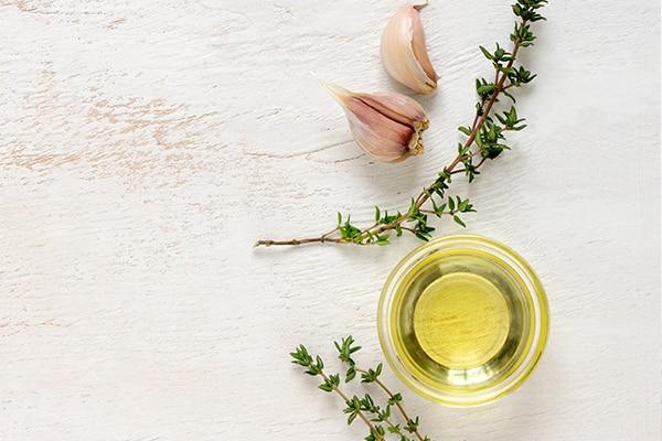 Tinh dầu vừa và tỏi dưỡng tóc
