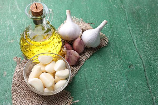 Tinh dầu tỏi phục hồi tóc hư tổn