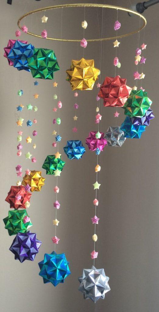 Chuông gió với các ngôi sao nhỏ và quả cầu sao độc đáo