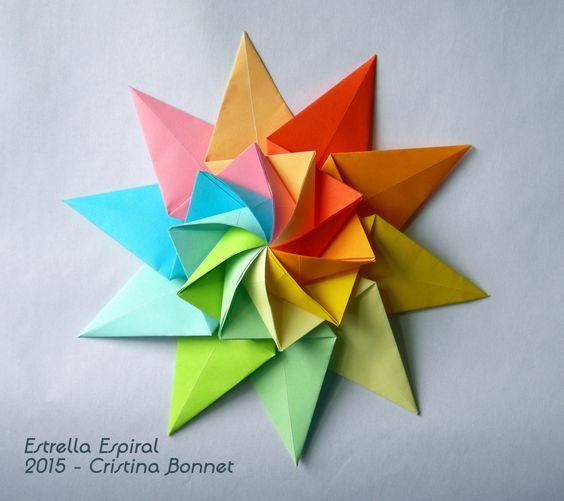Dán những ngôi sao đầy màu sắc này để tô điểm cho bức tường nhà bạn