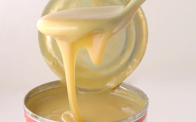 Sữa đặc rất nhiều đường uống nhiều không tốt cho việc giảm