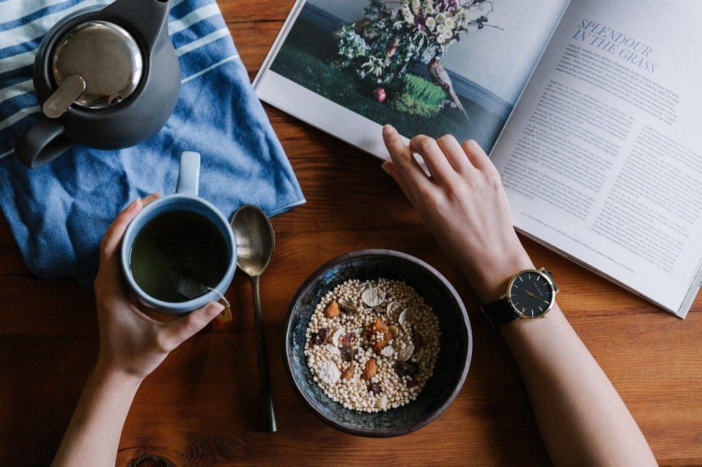 Thời điểm thích hợp cho bữa sáng là trước 8h sáng