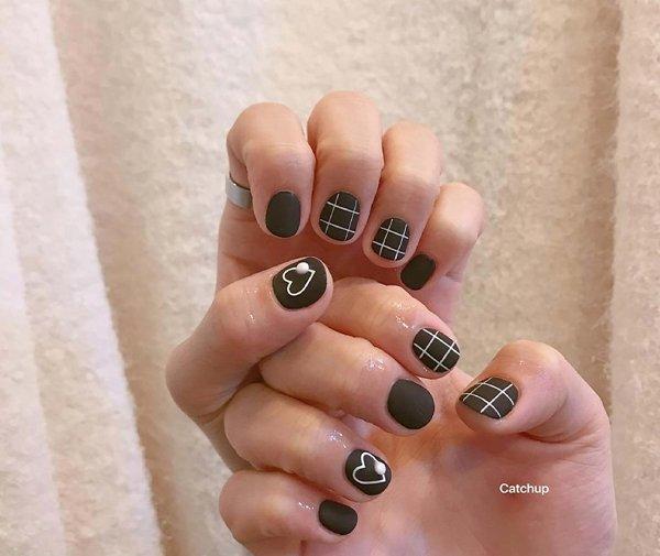 chọn mẫu nail nào cho cô nàng móng tay ngắn