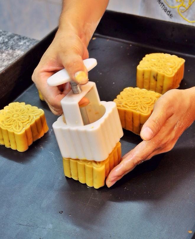 Mách bạn bí kíp làm bánh trung thu tại nhà