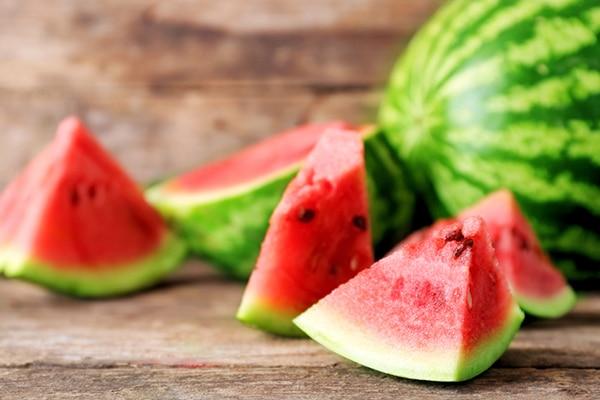 Nên ăn dưa hấu trong ngày đèn đỏ
